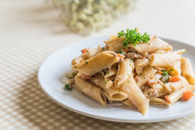 Penne pasta cream cheese