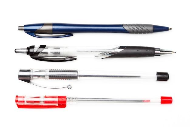 白い背景で隔離のペン、クローズアップ