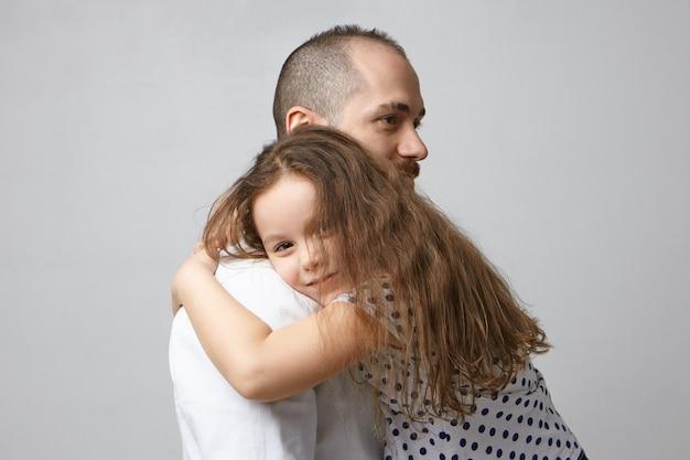 Концепция людей, семьи, отцовства и отношений.