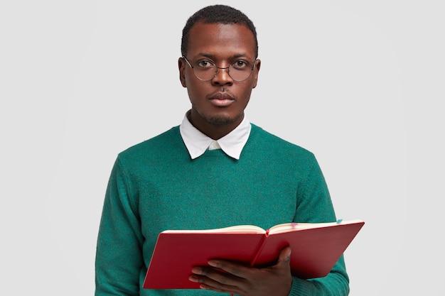 Persone, letteratura, concetto di studio
