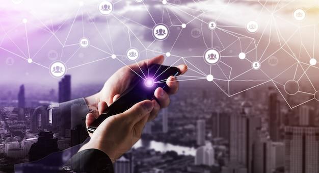 ピープルネットワークとグローバルクリエイティブコミュニケーションコンセプト。