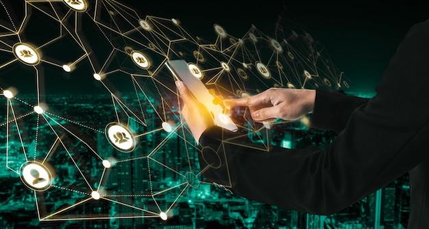 피플 네트워크와 글로벌 크리에이티브 커뮤니케이션 개념.