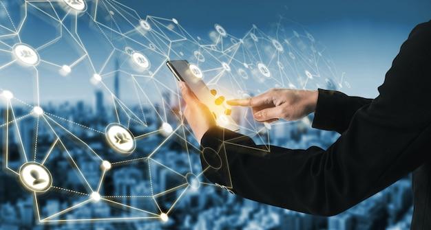 人々のネットワークとグローバルな創造的なコミュニケーションの概念。