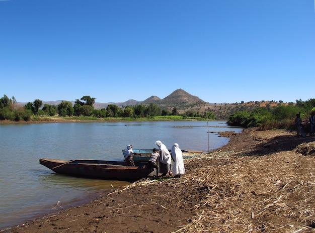 アフリカ、エチオピアの青ナイル川の人々