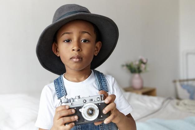 Persone, fotografia, arte e concetto di hobby.