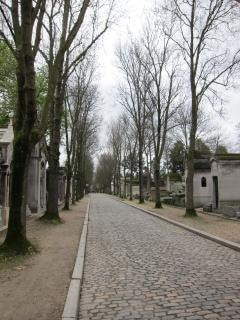 Pere lachaise  tombs