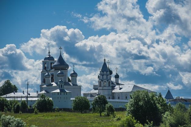 Переславль-залесский. никитский монастырь. один из старейших в россии.