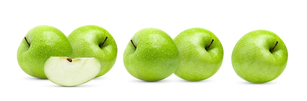 完全な被写界深度で水滴と白い表面に分離された完璧な新鮮な青リンゴ