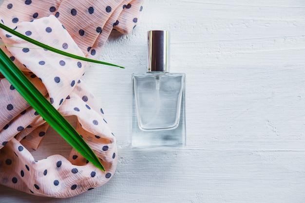 Парфюмерно-парфюмерные флаконы для женщин