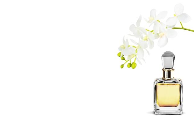 Флакон духов и цветы, изолированные на фоне.