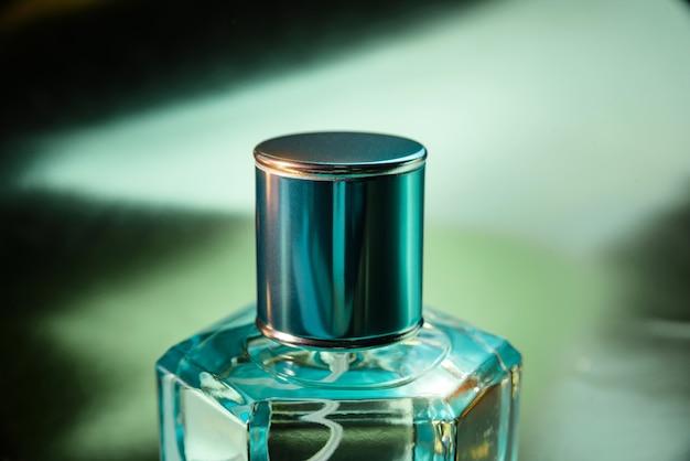 香水瓶のクローズアップ