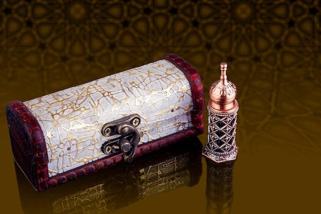 아름다운 아랍 이슬람 스타일의 향수병