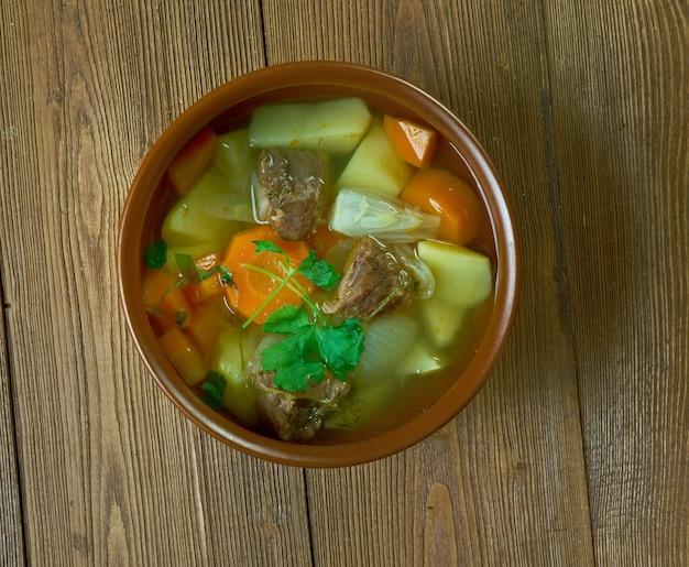 Perinteinen lihakeitto - традиционный финский мясной суп