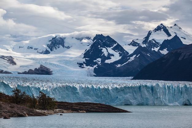Perito moreno glacier frozen fields