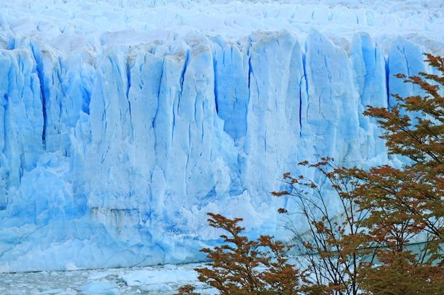 Perito moreno glacier in lake agentino, los glaciares national park, el calafate, patagonia, argentina