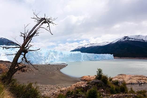 ペリトモレノ氷河の眺め、パタゴニアの風景、アルゼンチン。パタゴニアの風景