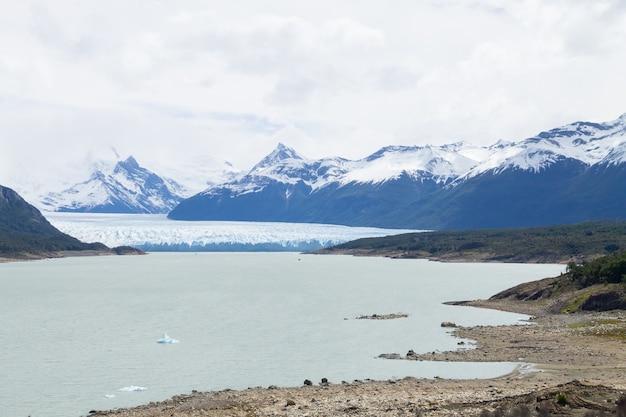 ペリトモレノ氷河ビュー、パタゴニアの風景、アルゼンチン