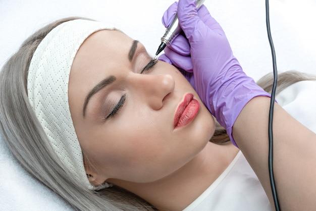 Permanent makeup, micropigmentation.