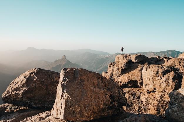 Persona in montagna