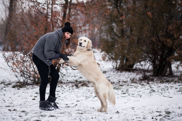 Cane camminatore cane cameriere