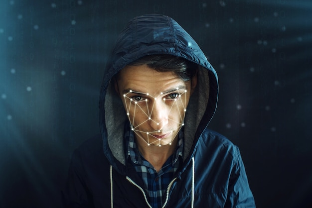 Метод персональной идентификации для распознавания лиц с помощью многоугольной сетки