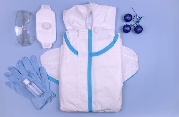 Средства индивидуальной защиты сиз для защиты от коронавируса и рождественских шаров