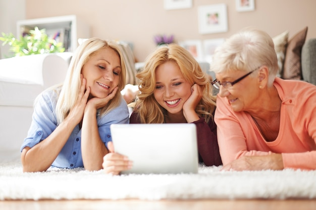 Persuade older people to use new technology