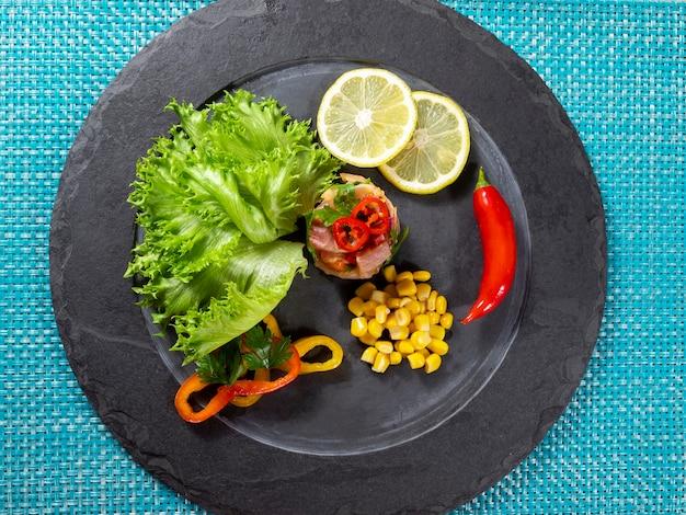 Перуанская еда севиче. перуанская кухня и морепродукты.