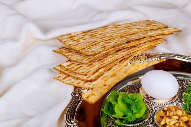 Pesach matzo passover with matzoh jewish passover bread