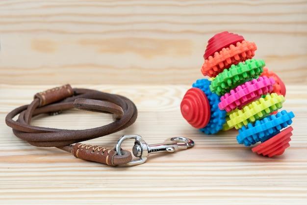 犬用のペットの鎖とおもちゃ