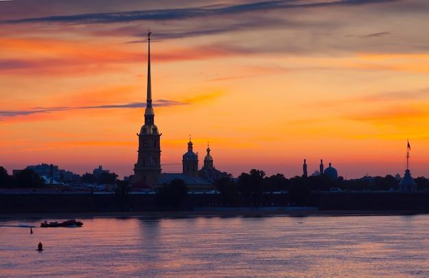 Петропавловская крепость летом