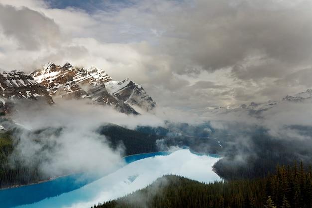 캐나다 밴프 국립 공원의 페이 토 호수
