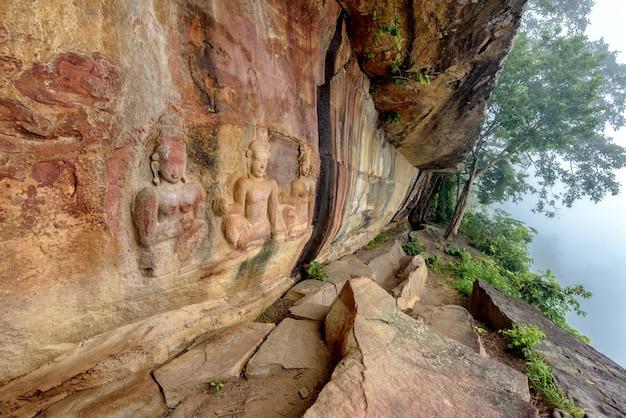 (pha mor e daeng)khao phra wihan国立公園、タイ、タイ