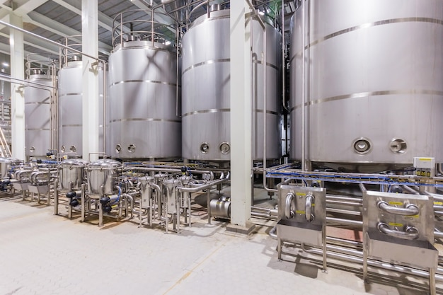 Pharmaceutical factory equipment mixing tank on production line in pharmacy industry