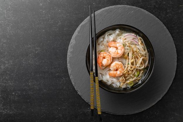 Pho tom noodles