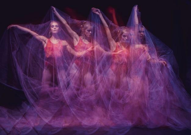 Фотография как искусство - чувственный и эмоциональный танец прекрасной балерины через фату.
