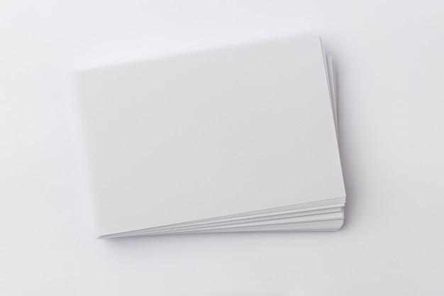 Фото визитка на белом фоне