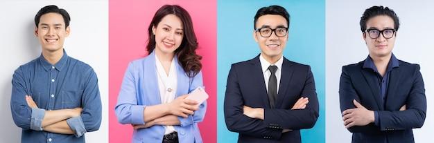 陽気なアジアのビジネスマンの写真のコラージュ
