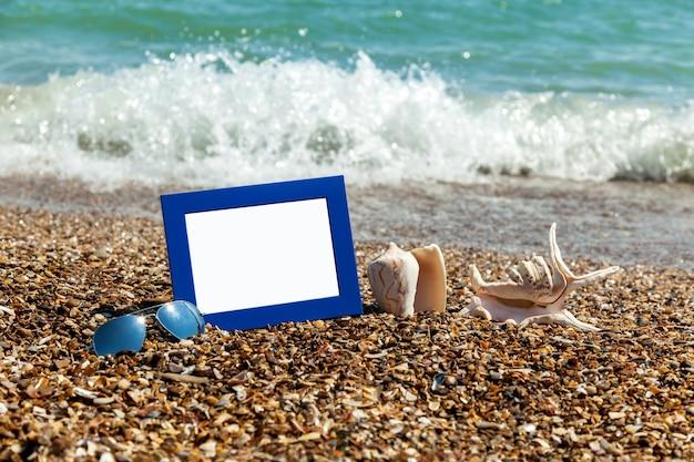 해변에서 사진 프레임 해변에서 사진 바다 조개 해변 휴가 해변 자갈