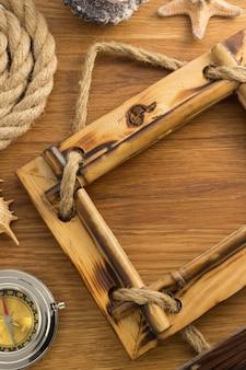 木製の背景のフォトフレーム