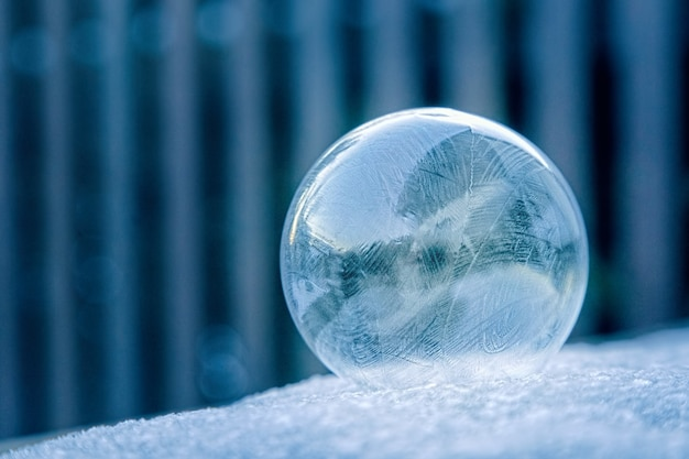 透明なガラス玉の写真