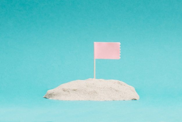 Photo of the pink flag on the hill