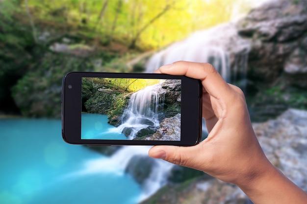Фотосессия на смартфон в туристическом путешествии