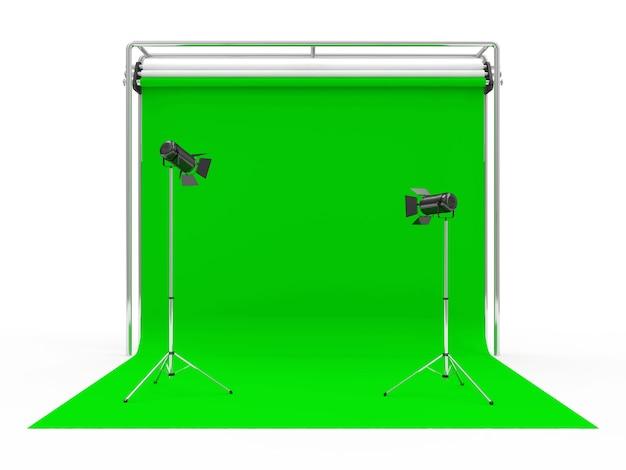 グリーンスクリーンと照明器具を備えた写真スタジオ