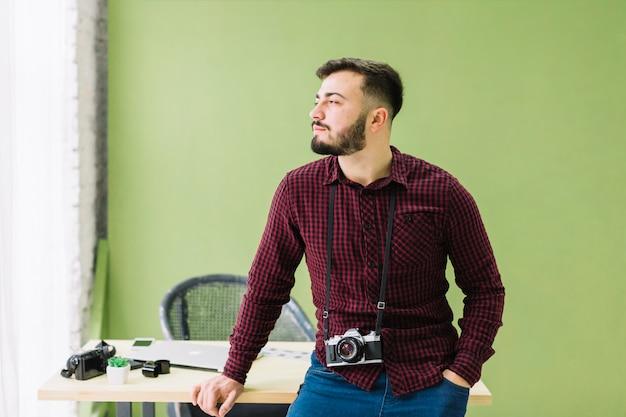 Fotografo in posa