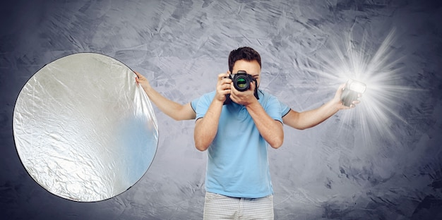 Photographer with four arms