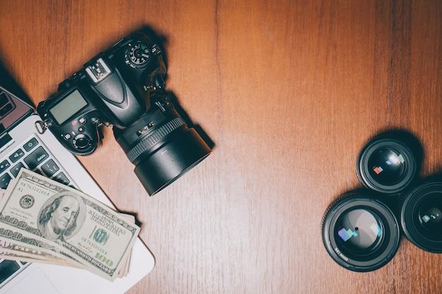 Вид сверху рабочий стол фотографа