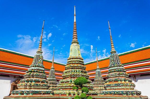 タイ、バンコクのワットポー仏教寺院群のプラチェディライ