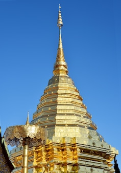 Phra that doi suthep на фоне неба, чиангмай