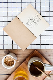 Phrase eat clean on a notebook